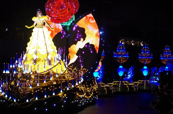 Beauty and the Beast Float in HKDL Paint the Night Parade