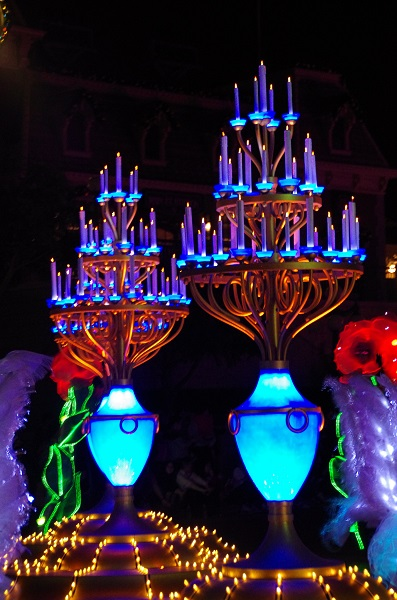 Candelabra in HKDL Paint the Night Parade