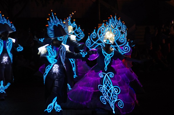 Dancing Candelabra in HKDL Paint the Night Parade