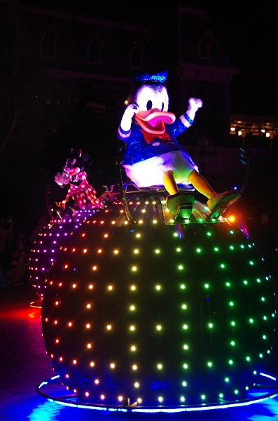 Donald Doodle Bug in HKDL Paint the Night Parade