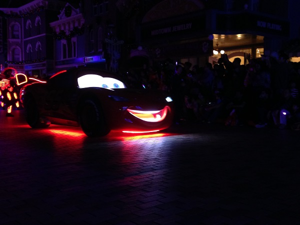 Lightning McQueen in HKDL Paint the Night Parade