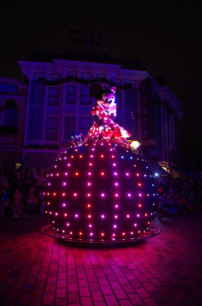 Minnie on Pink Doodle Bug in HKDL Paint the Night Parade