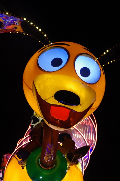 Slinky Dog in HKDL Paint the Night Parade