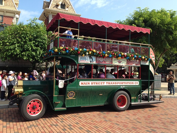 HKDL Main Street Transportation