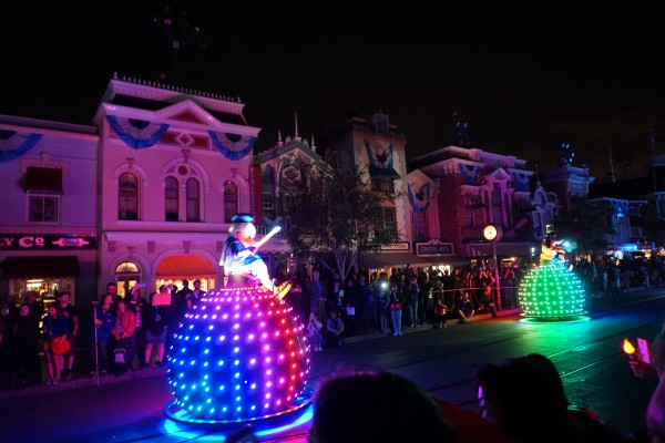 Donald, Goofy, and Minnie lead in the final float on these spheres reminiscent of the Electrical Light Parade and SpectroMagic (photo by Chrysty Summers)