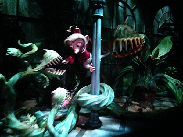 Albert and Venus Flytrap in Mystic Manor HKDL