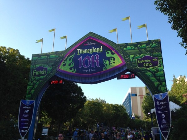 DLHW Enchanted 10k Finish Line